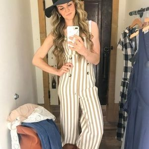 New UO Urban Outfitters Murphy Jumpsuit sz M